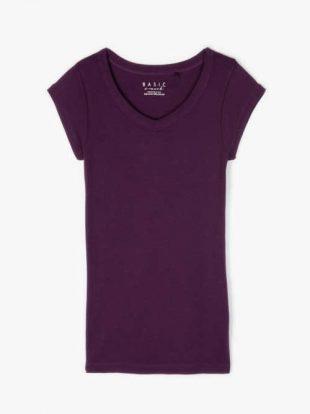 Klasszikus szabású póló nyakkivágással különböző színekben