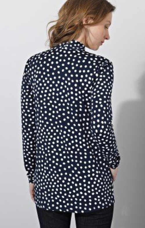 Póló pöttyös mintájú, szellős blúz mintázatú póló.