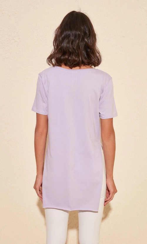 Modern praktikus póló hasítékkal