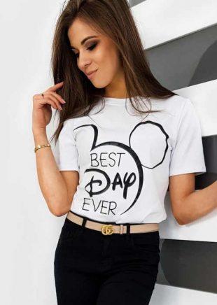 Kényelmes női póló klasszikus fekete-fehér dizájnban